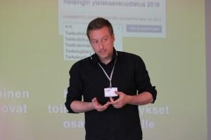 Ravintolapäivän edustaja Jyrki Vanamo muistutti internetin voimasta ihmisten osallistamisen apuna.
